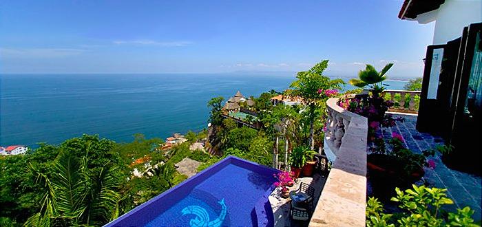 Casa del quetzal villas puerto vallarta villa rentals for Villas quetzal celaya